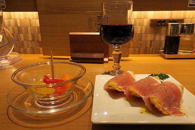 画像: リンガーハットの新業態「Ringar Bar」で生ハムぎょうざとワイン