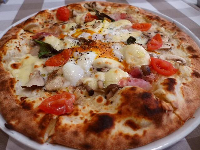 画像1: 本日のランチは阪急うめだ本店の13階レストラン街にあるイタリア料理のお店「トラットリア アル・ポンピエーレ」に行きました。北イタリアのヴェローナで100年もの間愛され続けてきた老舗トラットリアが、この阪急うめだ本店に日本... emunoranchi.com