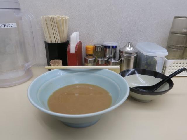 画像: 田中(水道橋・神保町/チーズフランスパン家系ラーメン)