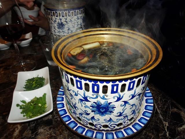画像: (六本木)シャングリラズ シークレットは美容と健康のキノコ鍋が旨い!