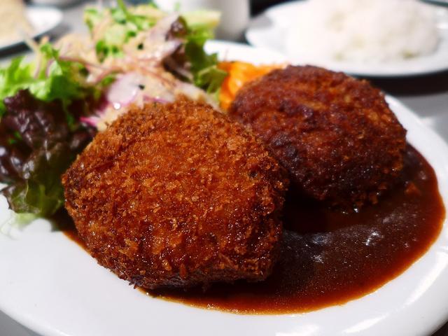 画像1: 本日のランチは心斎橋にあるカフェダイニング「アマーク ド パラディ」に行きました。 いつもお世話になっているHさんに、何を食べても美味しくてボリューム満点のカフェがあるので是非、とお薦めをいただき、一緒に行ってきました!... emunoranchi.com