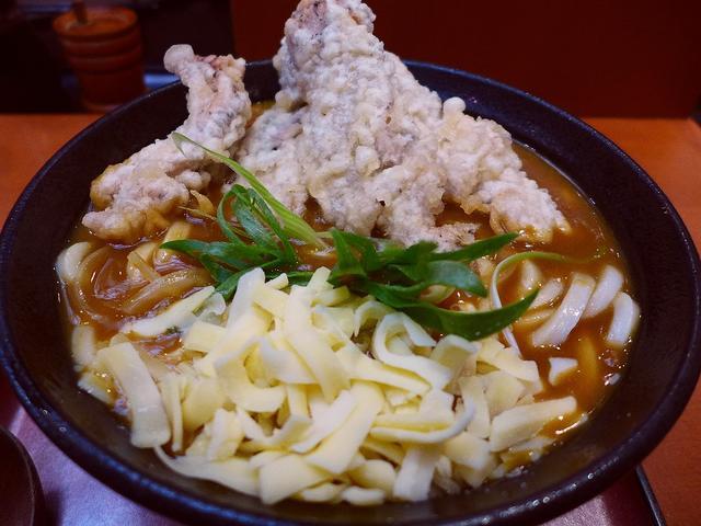 画像1: 本日のランチは兵庫県西宮市にあるうどん屋さん「はんげしょう」に行きました。 腰、風味ともに素晴らしくハイレベルなうどんはもちろん、お出汁やトッピング系もすべてがとても美味しい、私の大好きなお店に久しぶりに行ってきました!... emunoranchi.com