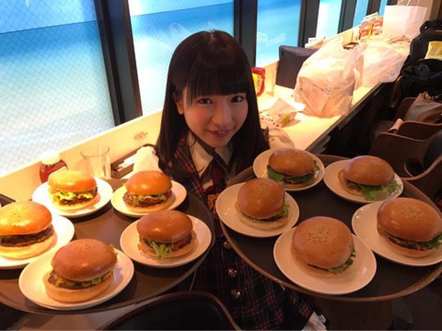 画像: ハンバーガー大食い女王決定戦♪