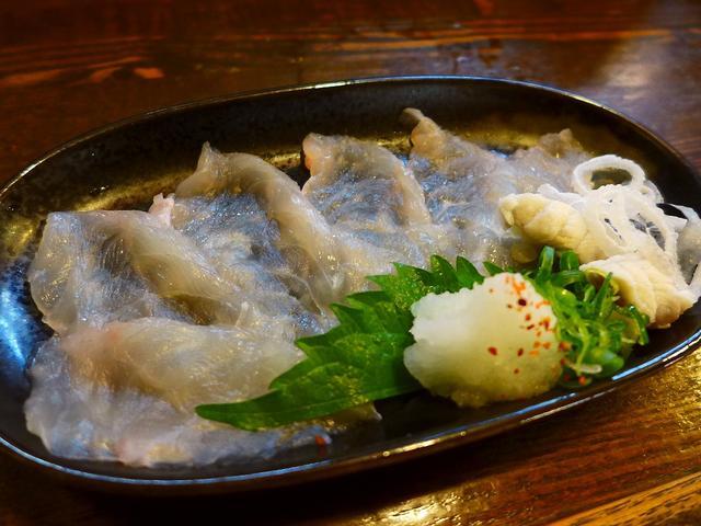 画像1: 千里中央にある居酒屋「明石八」でちょっと一杯! 何を食べてもびっくりするほど安くて美味しくて、毎日行列ができて大繁盛している私の大好きな居酒屋です! 2月9日は「ニクの日」でもありますが、「フク(ふぐ)の日」でもあります... emunoranchi.com