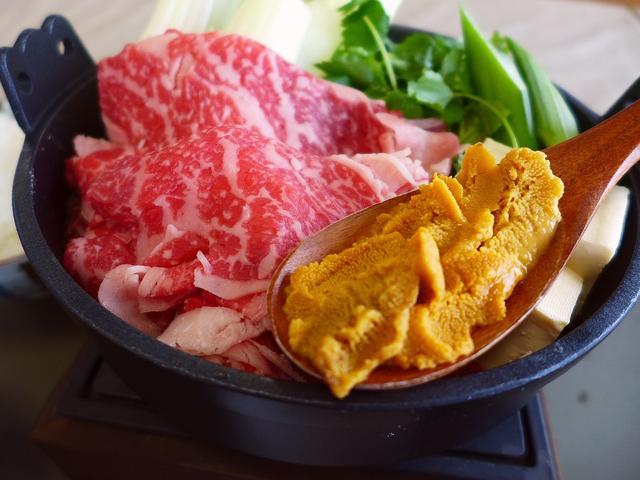 画像1: 本日のランチは淡路島の南あわじ市にある海鮮料理のお店「絶景レストラン うずの丘」に行きました。 路島で獲れる魚介類や特産物の数々がいただける大人気のお店で、とにかく島外からすさまじい数の観光客が訪れる、もはや淡路島のラン... emunoranchi.com