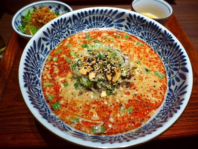 画像1: 本日のランチは西天満にある中華料理のお店「中国菜 エスサワダ」に行きました。 昨年11月にこちらに移転オープンされてから、ランチタイムはいつも満席、夜も予約が取りづらくなっている大人気店です! 澤田さんの絶品麻婆豆腐が食... emunoranchi.com