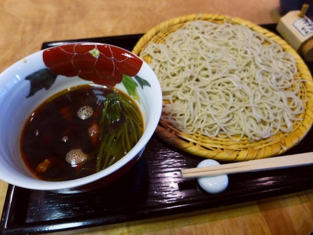 画像1: 本日のランチは西天満にあるお蕎麦屋さん「なにわ翁」に行きました。 大阪を代表すると言っても過言ではない本格派のお蕎麦がいただける名店です! こちらのお店では奇をてらわない定番のお蕎麦が基本ですが、季節ごとに旬の素材を使っ... emunoranchi.com