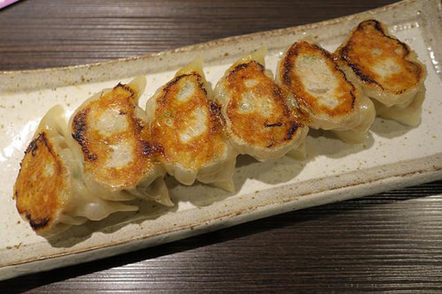 画像: ウェスティンホテル向かいの餃子専門店「立山」で日本酒と餃子を堪能【大阪】