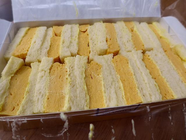 画像1: 本日のランチは梅田のルクアイーレにある玉子サンドのお店「天のや」の玉子サンドをいただきました。 東京では麻布十番をはじめとして様々な場所で販売されている大人気の玉子サンドが、遂に大阪に出店をされました! といってもこちら... emunoranchi.com