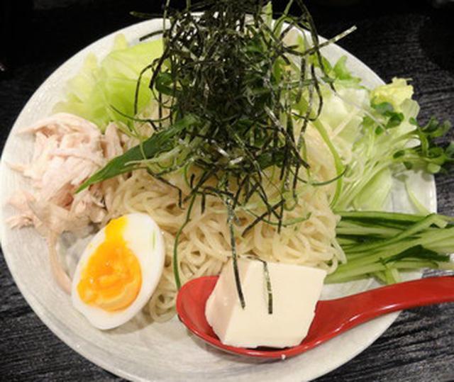 画像: 広島東洋カープ色が強い!激辛つけ麺 汁無し担担麺 広島流 鯉のぼり 中野店