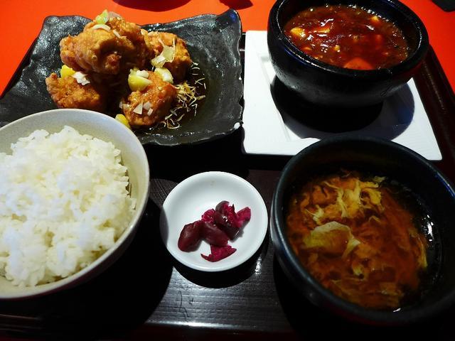 画像1: 本日のランチは中央区難波にある中華料理屋さん「天天酒家」に行きました。 前回初めてこちらのお店に行った時に、思いがけず本格的な四川風麻婆豆腐が食べられて、とても気に入ったお店に再訪してみました! 前回とはメニュー構成が若... emunoranchi.com