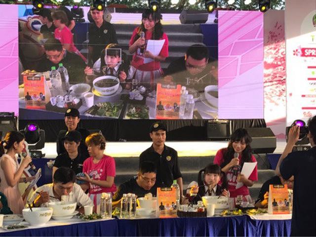 画像: ベトナムの大食い大会で優勝♡