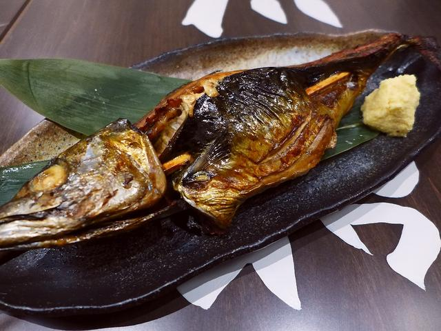 画像1: 本日のランチは阪急三番街地下2階に鯖料理専門店「SABAR 阪急三番街店」に行きました。 2017年4月2日(日)グランドオープンのお店のレセプションにご招待いただきました。 鯖の中でも特に脂の乗った「トロサバ」にこだわ... emunoranchi.com