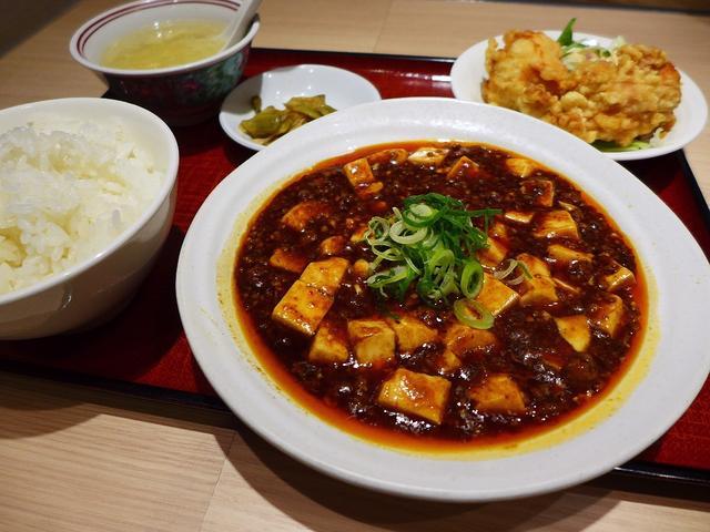 画像1: 本日のランチはクリスタ長堀にある中華料理のお店「中国酒家 朝陽閣 長堀店」に行きました。 お昼に食べる時間がなく、17時頃にお腹がペコペコでクリスタ長堀にいたのですが、こちらのお店、場所柄当然通し営業で、さらに一日中お得... emunoranchi.com