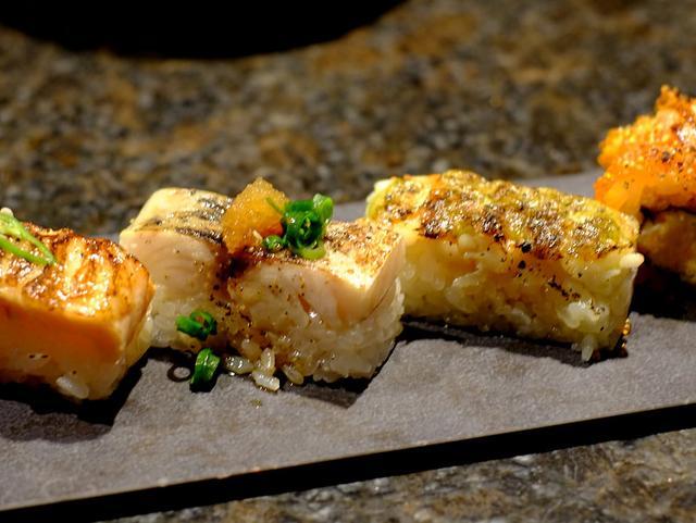 画像: 「渋谷 寿司&海鮮モダンダイニングKINKAのアブリシャス(炙り寿司)」