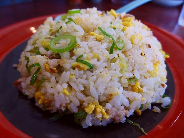 画像1: 本日のランチは豊中市にあるラーメン屋さん「南ばん亭」に行きました。 ラーメン屋さんなのに焼きめしと焼きそばが人気のお店で、無性に食べたくなってとても久しぶりに行ってきました! 「焼きめし」(500円) 前回食べたのが6年... emunoranchi.com