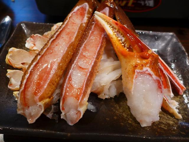 画像1: 本日のランチは宗右衛門町にあるカニ食べ放題のお店「蟹奉行 なんば宗右衛門町店」に行きました。 冬場はもちろん、真夏でもクオリティの高いずわい蟹が食べ放題のお店があると、いつも大変お世話になっているKさんに教えていただき、... emunoranchi.com