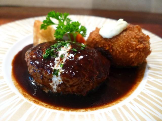 画像1: 本日のランチは豊中市にある洋食屋さん「Sakura grill(サクラグリル)」に行きました。 食べ歩き仲間のプーさんのブログに何度も美味しそうな料理が紹介されていて、ずっと行ってみたいと思っていたお店に、やっと行ってき... emunoranchi.com