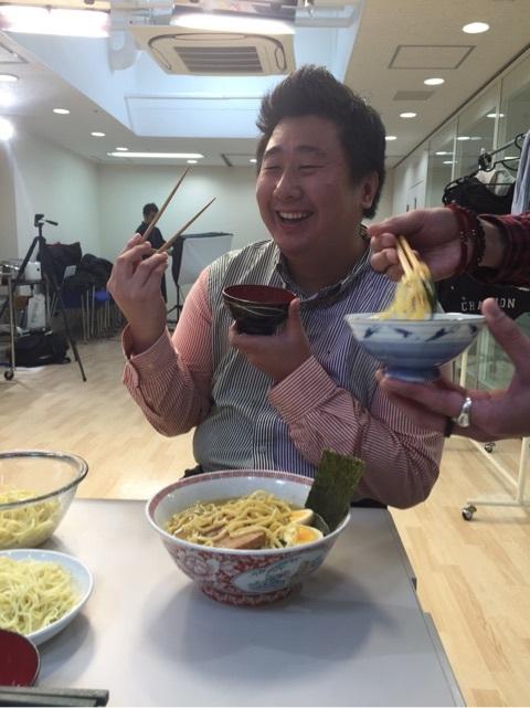 画像: 本谷亜紀『おうちラーメンにお勧めの新スッキリチューハイ!極キレ!』