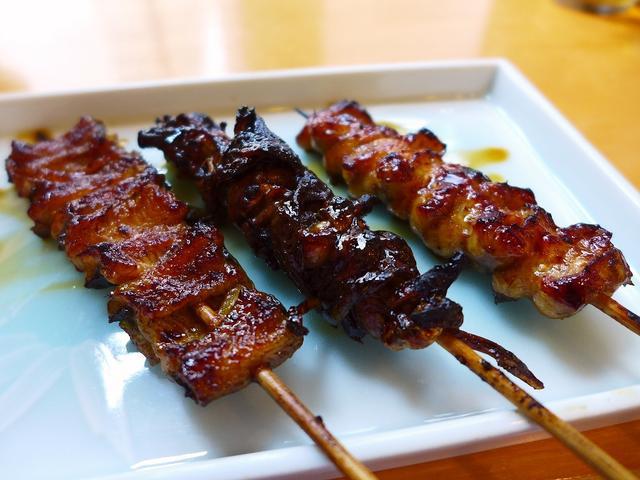 画像1: 本日のランチ3軒目は東京巣鴨にあるうなぎ屋さん「八ツ目や にしむら」に行きました。 今日は早朝に築地の「岩佐寿し」で絶品お寿司を食べて、その後巣鴨の「ときわ食堂」で日本一美味しいアジフライを食べて、そしてその後はすぐ近所... emunoranchi.com