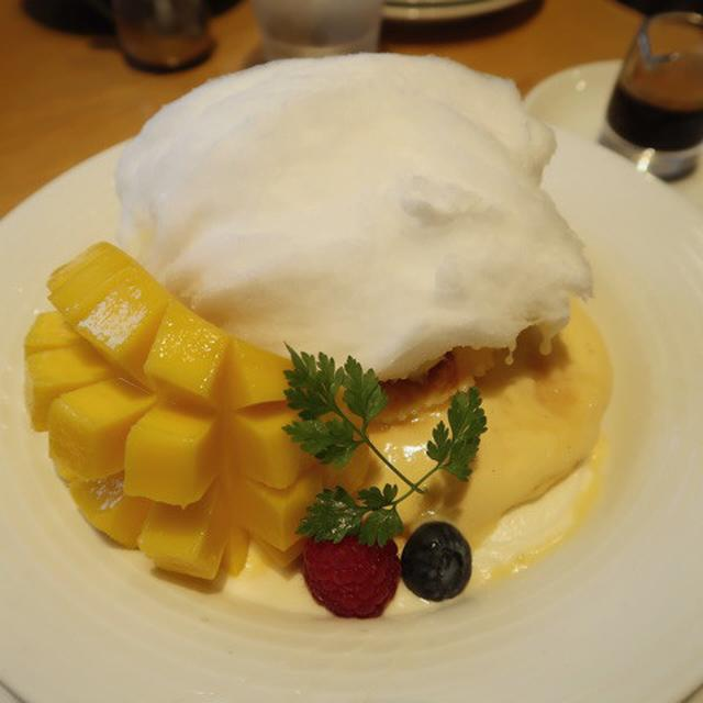 画像: パティシエメイドの創作パンケーキ