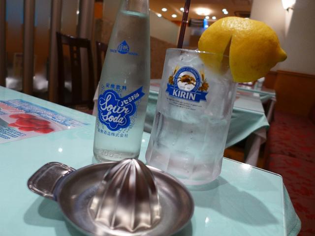 画像1: 大阪サワー始めました・・・らしいのでちょっと一杯飲んできました! 心斎橋 「大成閣」