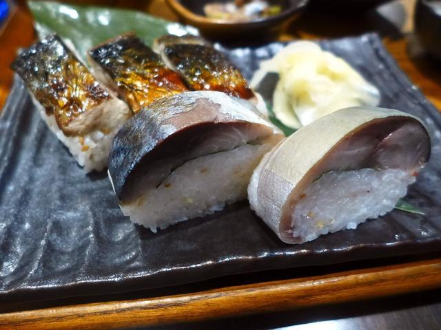画像1: 本日のランチは阪急三番街地下2階に鯖料理専門店「SABAR 阪急三番街店」に行きました。 鯖の中でも特に脂の乗った「トロサバ」にこだわり、その様々な料理がいただけるお店です。 ランチタイムは、巨大なサバの塩焼き定食をはじ... emunoranchi.com