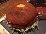 画像: 期間限定 完食できれば無料の「炎の激辛ハンバーガー」@新宿・ヒルトン東京 メトロポリタングリル