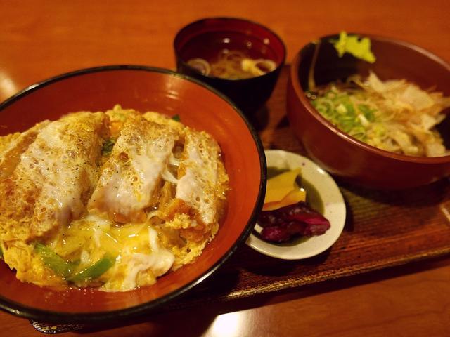 画像: サラリーマンに絶大に支持されているお蕎麦屋さんのかつ丼はやっぱり旨かった! 福島区 「福島やまがそば」