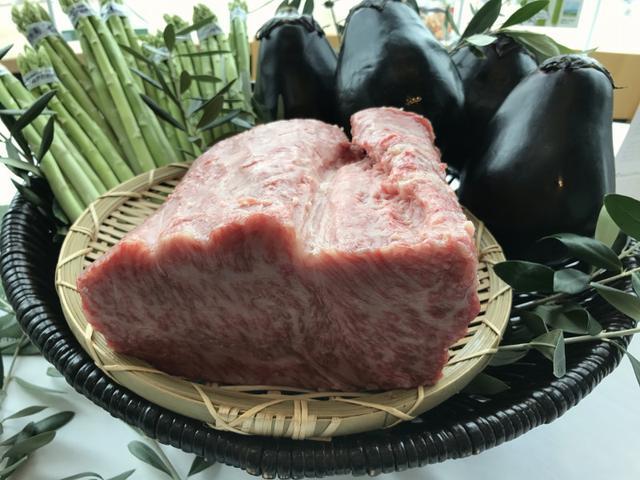 画像: 香川県のオリーブ牛セミナー!奥田政行シェフによるウデ肉、ランプ、もも肉、ロース、部位使い分け〜