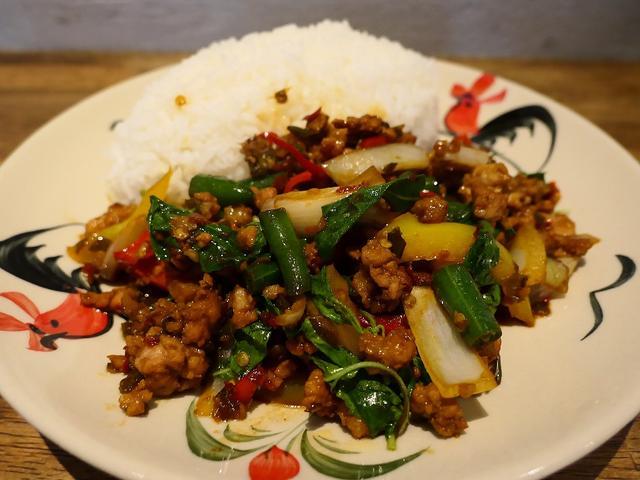 画像: お洒落な街のお洒落な空間でお手軽に本格タイ料理がいただけます! 北区中崎西 「ブッサバ」
