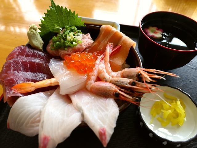 画像: Mの朝ごはん 朝から開いている御食事処で豪華な海鮮丼! 三重県伊勢市 「和食処なぎさや」