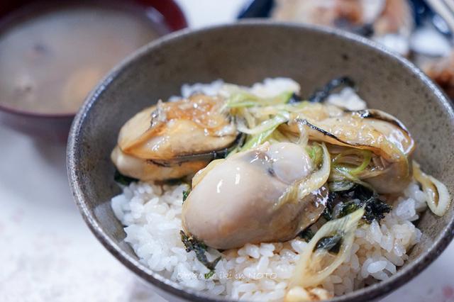 画像: むろや (能登)岩牡蠣丼とさざえ丼