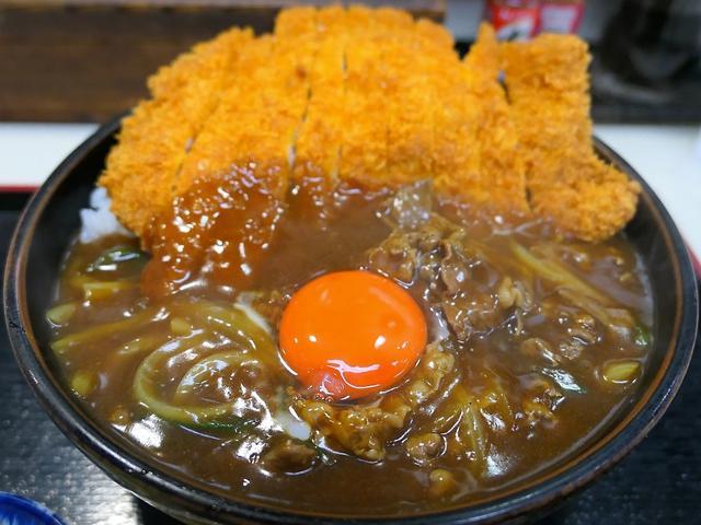画像: 行列ができるお蕎麦屋さんのお出汁が効きまくりのカツカレー丼は美味しくてボリューム満点で満足感が高すぎます! 日本橋 「まる栄」