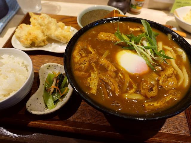 画像: 地元で絶大に支持される名門出身のご主人によるカレーうどんは絶品でした! 茨木市 「手打ちうどん ひだりうま」