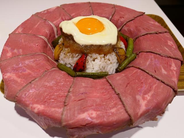 画像: このクオリティとボリュームでたった980円!一日5食限定のフォトジェ肉なローストビーフ丼! 谷町4 「麺とかき氷 ドギャン 谷四店」