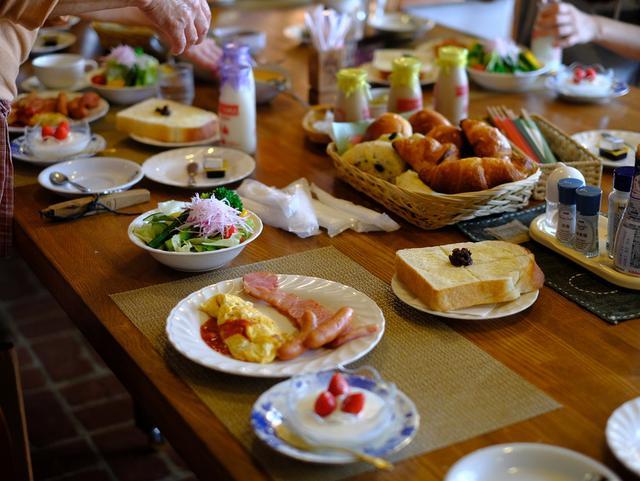 画像: 「朝アルニコ=高原のパン屋さん&福山牛乳、セラピーヨガ、たかちゃんファームのカレーランチ」