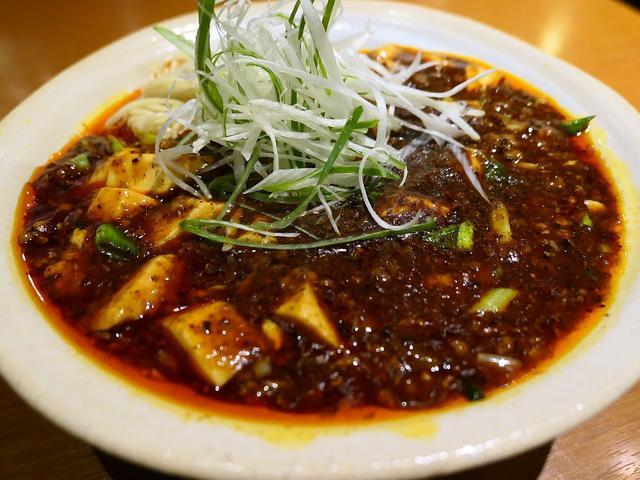 画像: 本格的な味わいの四川麻婆豆腐の麻婆麺とご飯のセットは旨すぎてボリューム満点で満足感が高すぎます! 淀川区西中島 「華Sansyou学」