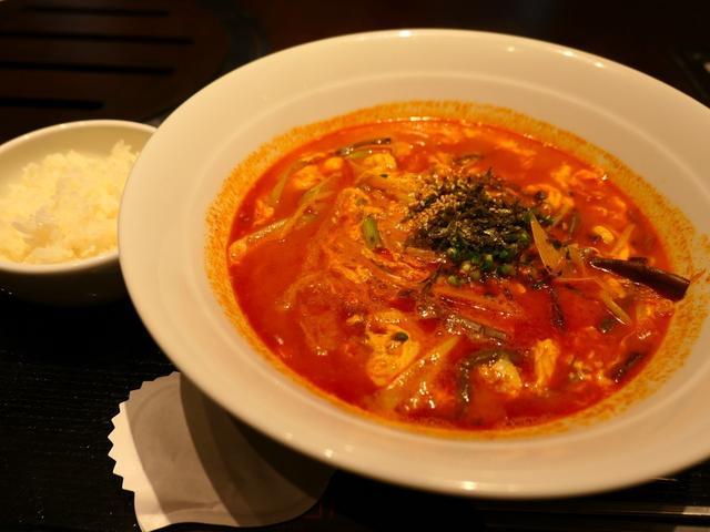 画像: トラジ名物『炎ジャン麺』はほのかにピリ辛で体が温まります! 北区中之島 「焼肉トラジ 中之島フェスティバルプラザ店」