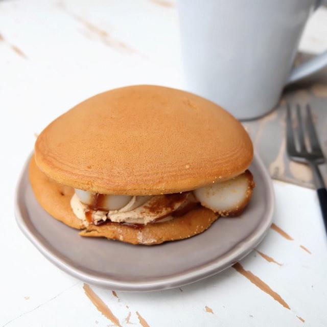 画像: セブンイレブン・黒蜜きな粉パンケーキどら