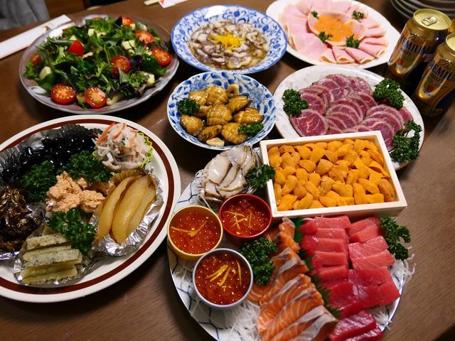 画像: 実家での毎年恒例のおせちと美味しい魚介をいただきながら飲んで飲んで飲みすぎました(^^ @実家