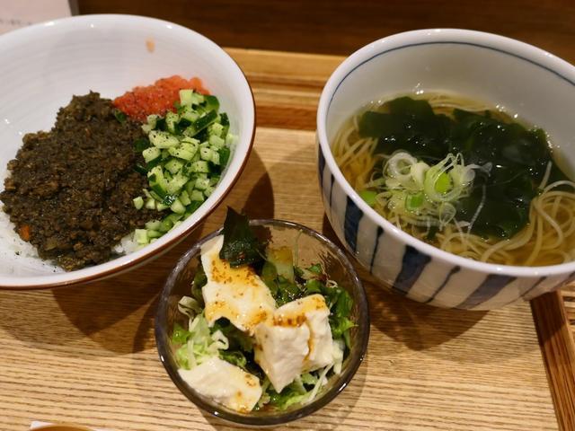 画像: 本格手打ち蕎麦と本格キーマカレーの両方が楽しめるお値打ちランチ! 天満橋 「キッチンワタミヤ」