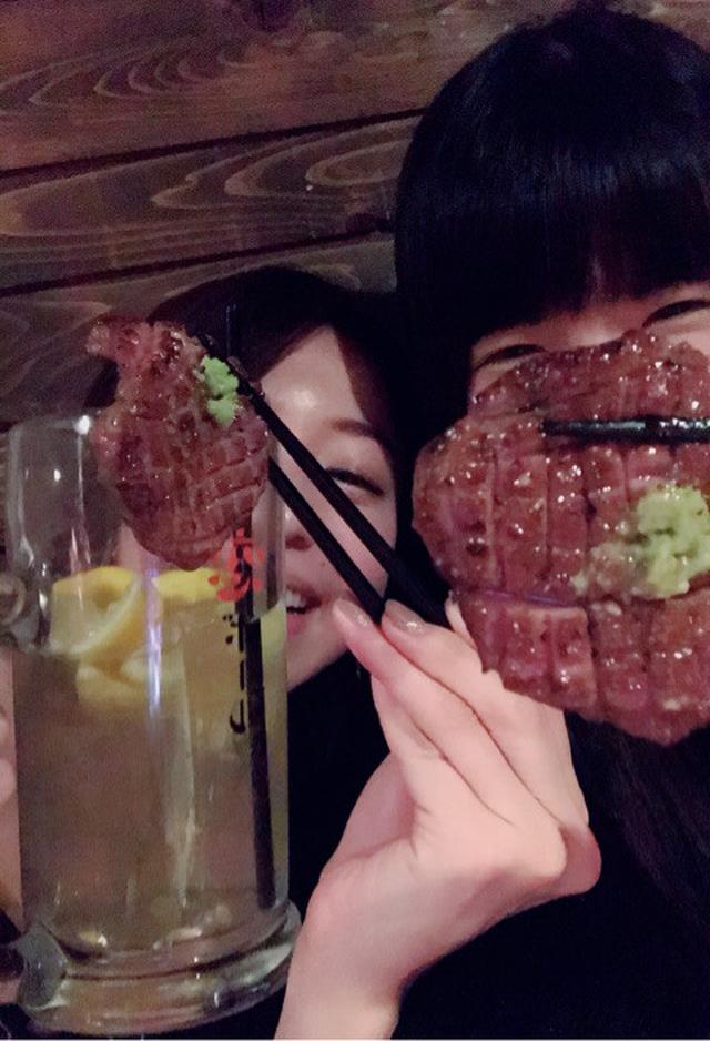 画像: デカ盛りお肉ケーキ♡