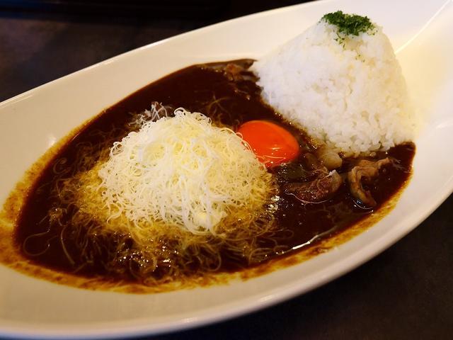 画像: 大人気ラーメン店プロデュースの豚骨スープがベースになった濃厚で病みつき系の味わいのカレー専門店がオープンしました! 桃谷 「豚骨黒カレー MECHA」