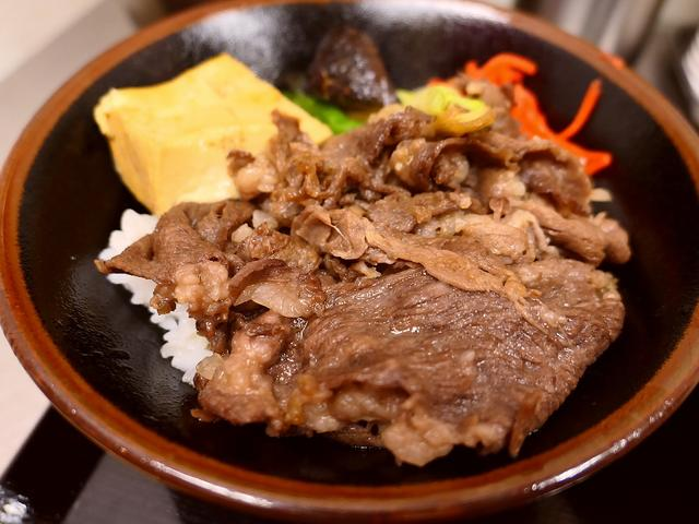 画像: 十三駅前でお手軽に美味しいすき焼き丼が食べられます! 十三 「肉のヤマキ商店」
