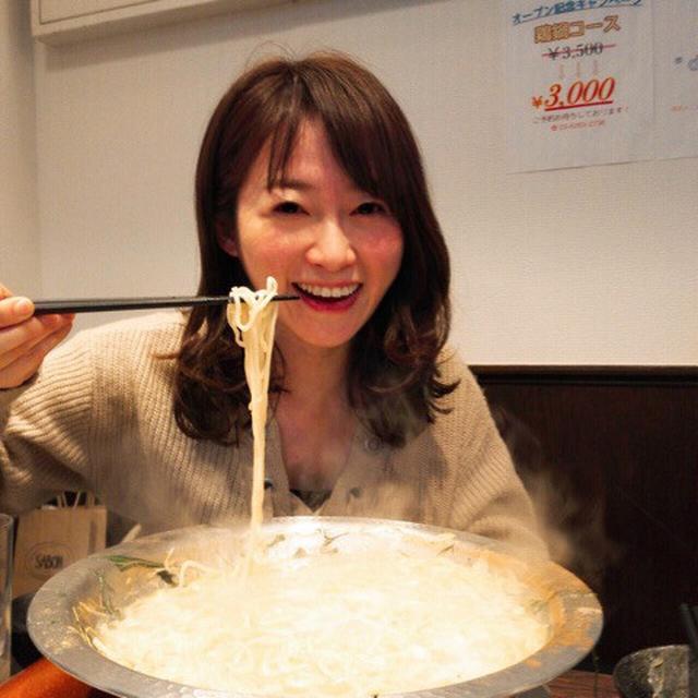 画像: ラーメン店で!追いトリュフオイルの鶏鍋コース@ど・みそ鶏