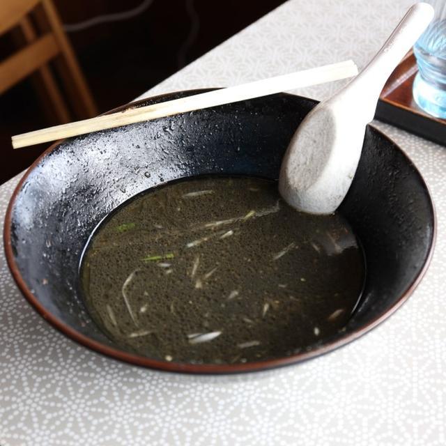 画像: ラーメンダイニング絆(千葉・四街道/巨大チャーシュー麺)