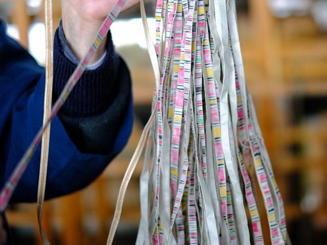 画像: 「美しき伝統 中田屋織物の越後上布雪晒し、酒井織物の反物作り」