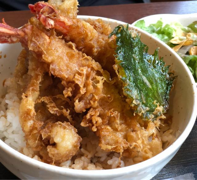 画像: こぼれ イクラ丼〜!ランチ限定10食 渋谷「魚喰食堂 ときしらず」