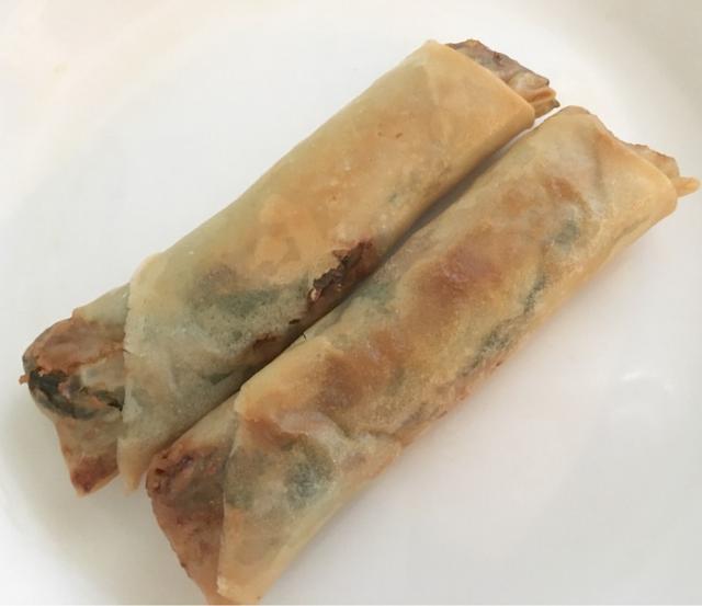 画像: 広尾のキッチン 屯(たむろ)で肉々しい春巻をテイクアウト